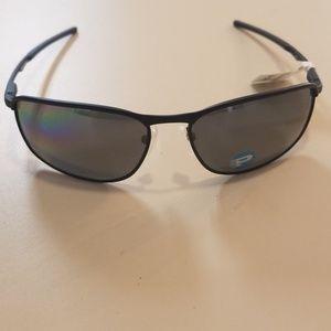 Brand new Oakley snuglasses Conductor 8 polarized